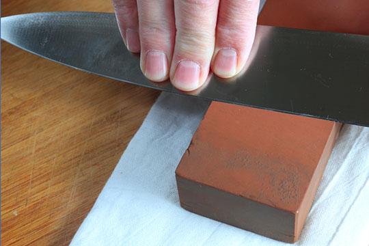 couteaux aiguis s ustensiles de cuisine. Black Bedroom Furniture Sets. Home Design Ideas